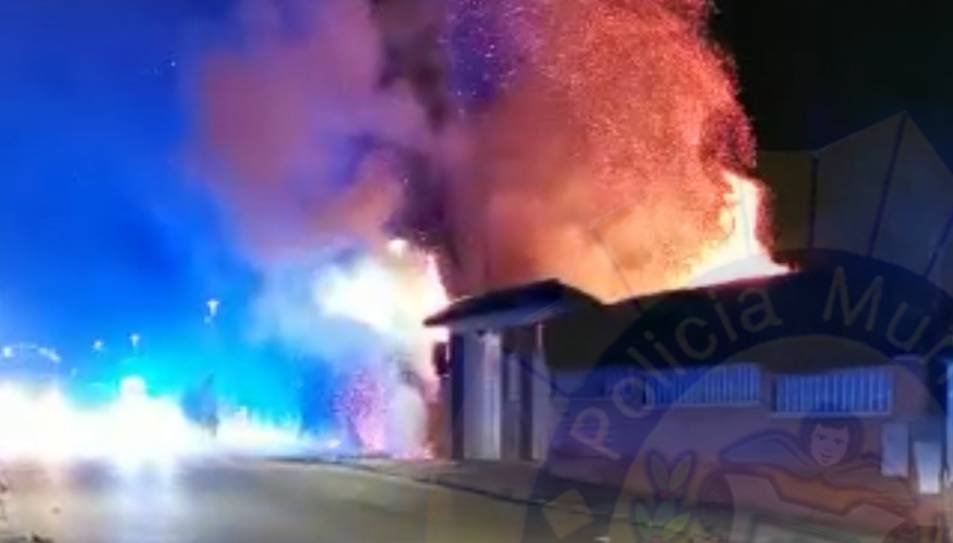 Imatge de les flames de l'incendi.