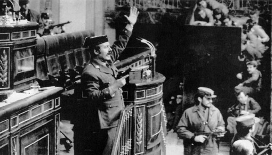 Antonio Tejero en l'assalt al Congrés dels Diputats, el 23 de febrer de 1981.