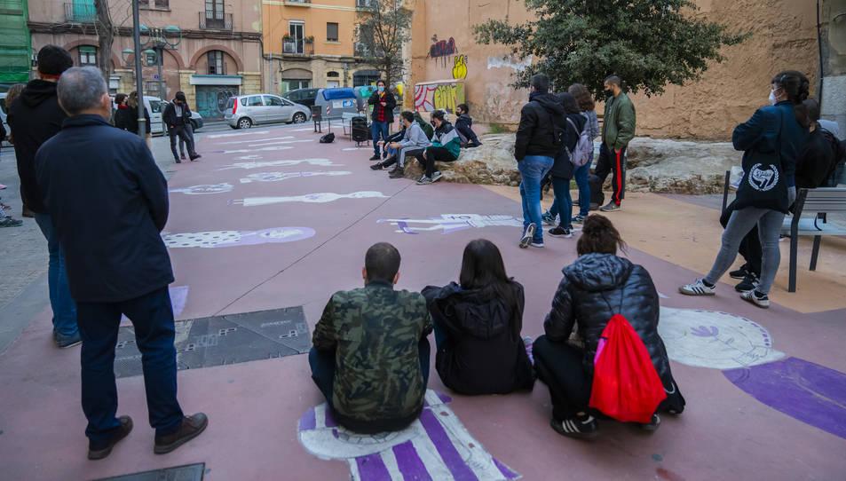 L'assemblea oberta d'ahir celebrada al monument dels Despullats va reunir unes 50 persones.