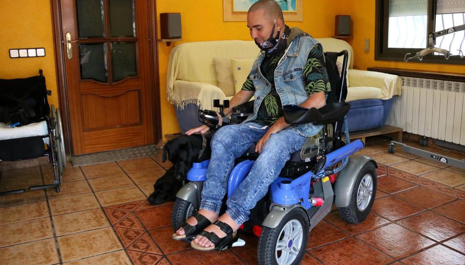 Pla sencer de Miguel Bejarano qui té una discapacitat del 96%.