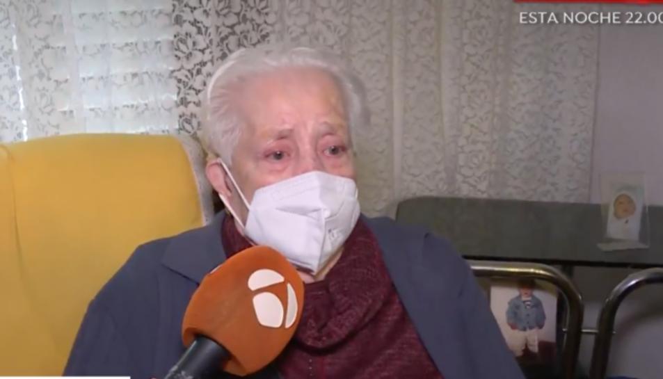 Captura de la entrevista a Espejo público a Rosario, la anciana desnonada per error.