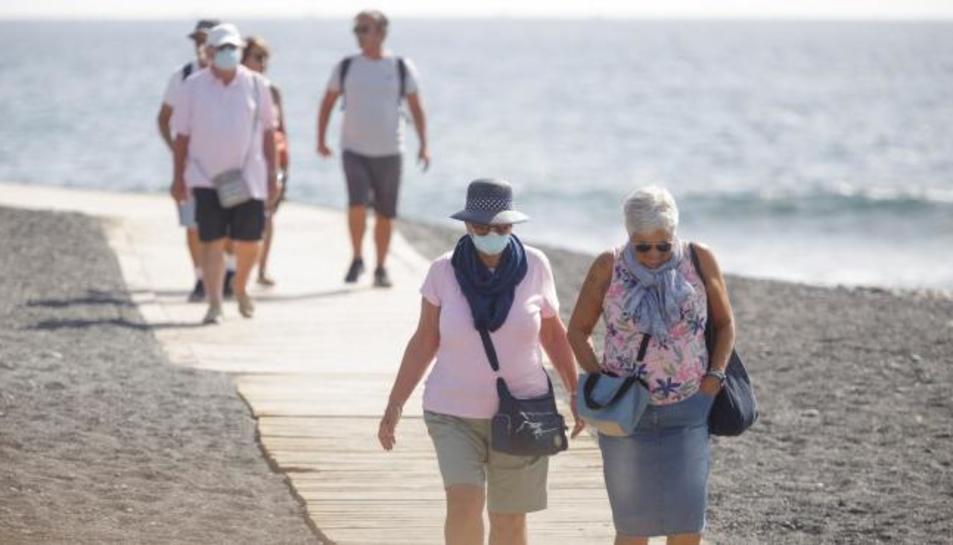 Turistes passejant per Tenerife.