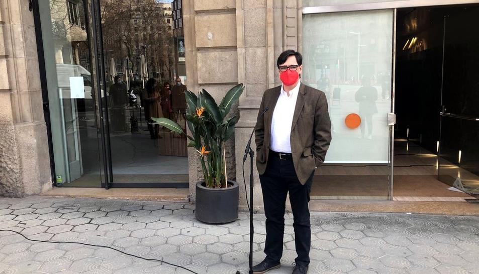 El cap de llista del PSC, Salvador Illa, valorant la nova nit de disturbis a Barcelona