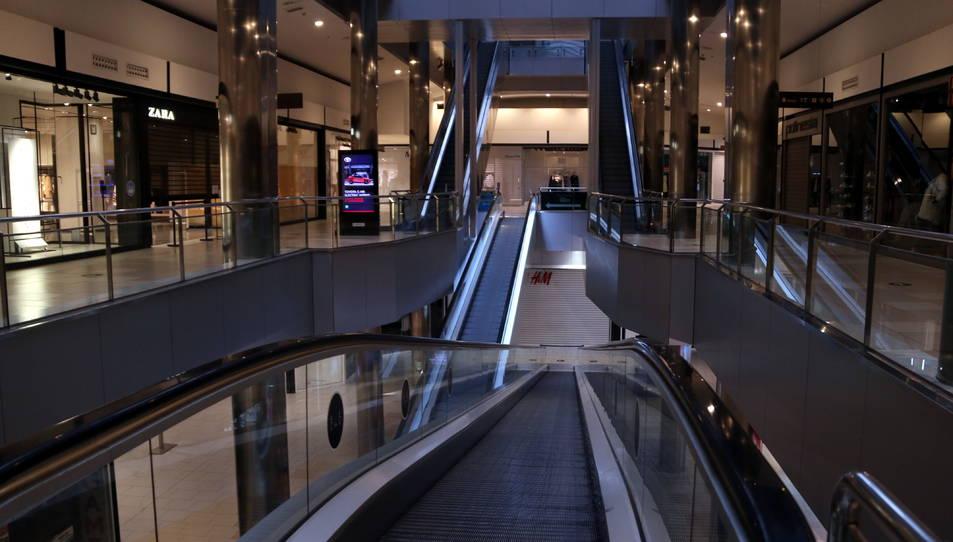 Les escales mecàniques buides del centre comercial del Parc Central de Tarragona.