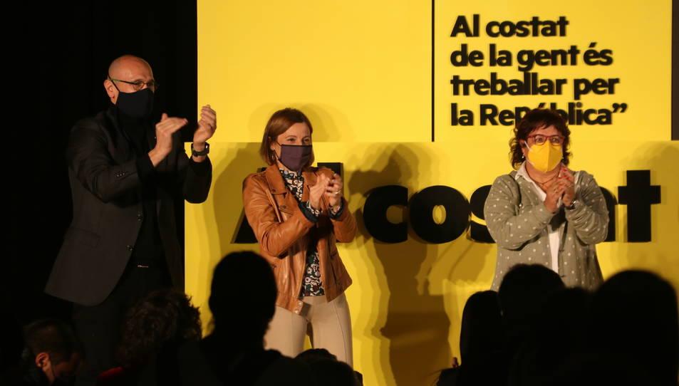 Carme Forcadell, Dolors Bassa i Raül Romeva, en l'acte de tancament de campanya d'ERC.