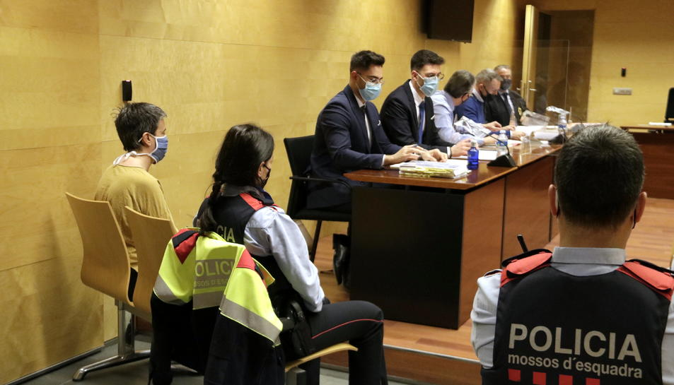 La mare que va matar la filla a Girona durant el judici.