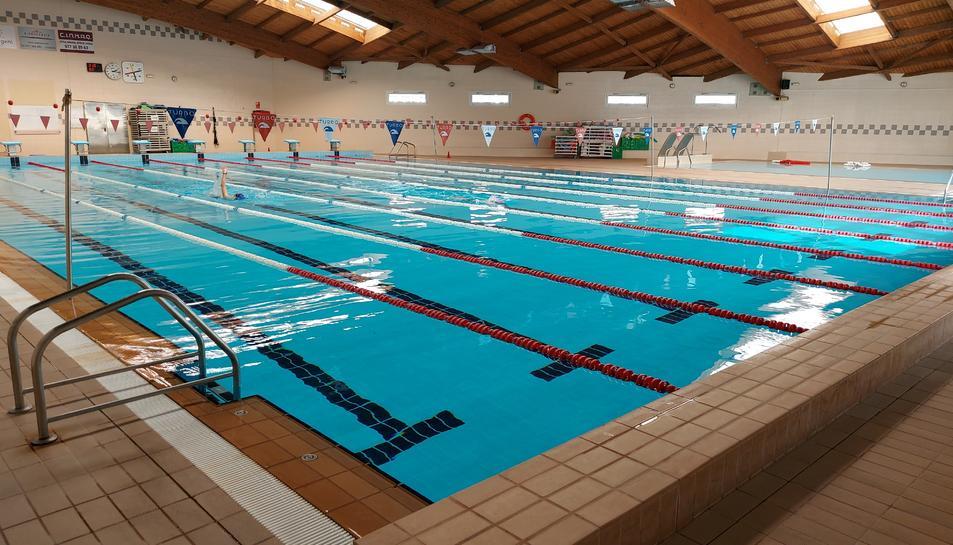 Imatge de la piscina del Palau Municipal d'Esports de Cambrils.