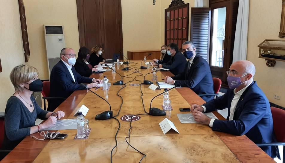 Visita del conseller d'Acció Exterior, Bernat Solé, a Reus.