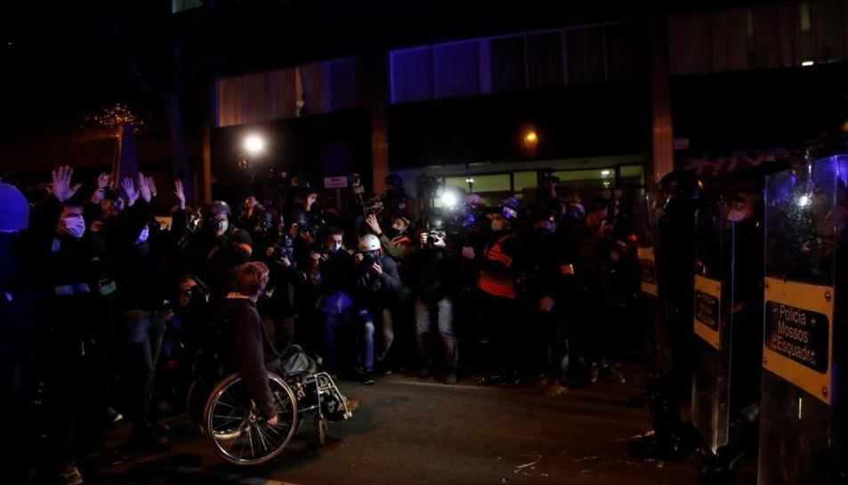 Diversos centenars de persones es manifesten per Hasel a Barcelona
