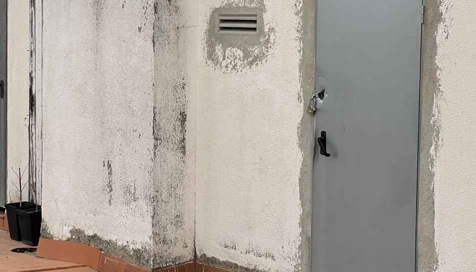 Una de les portes que Segura va reforçar l'endemà dels fets.