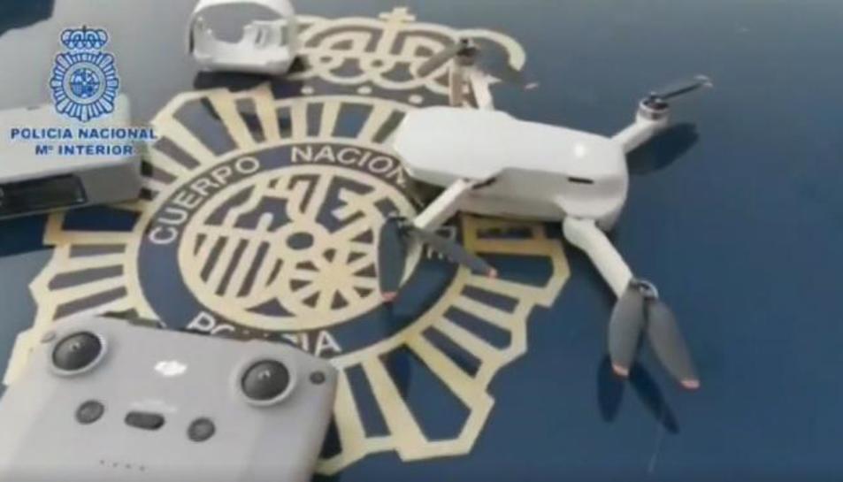 El dron interceptat per la Policia.