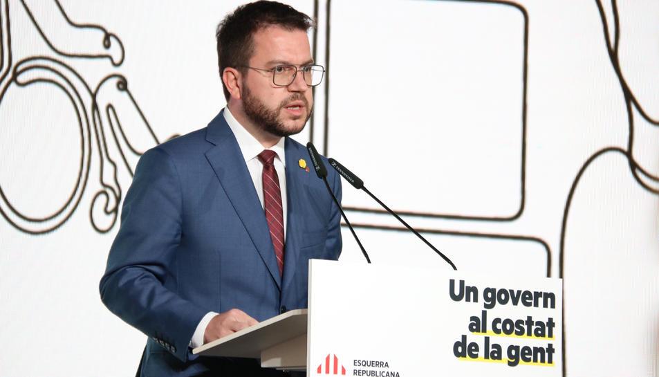 El candidat d'ERC a presidir la Generalitat, Pere Aragonès, durant la conferència a Barcelona.