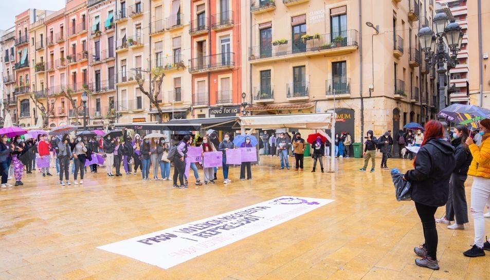 Lectura del manifiesto institucional en Tarragona