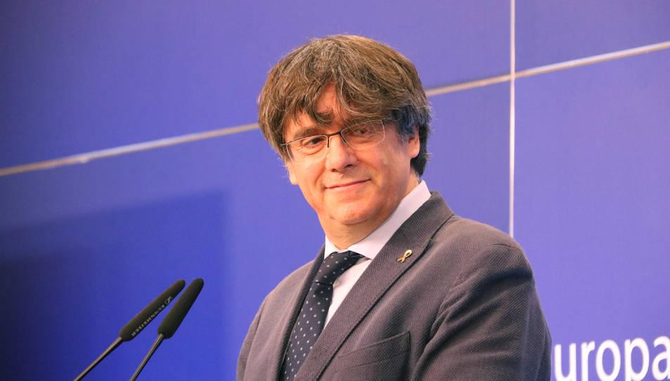 L'eurodiputat de JxCat Carles Puigdemont en la roda de premsa a l'Eurocambra.