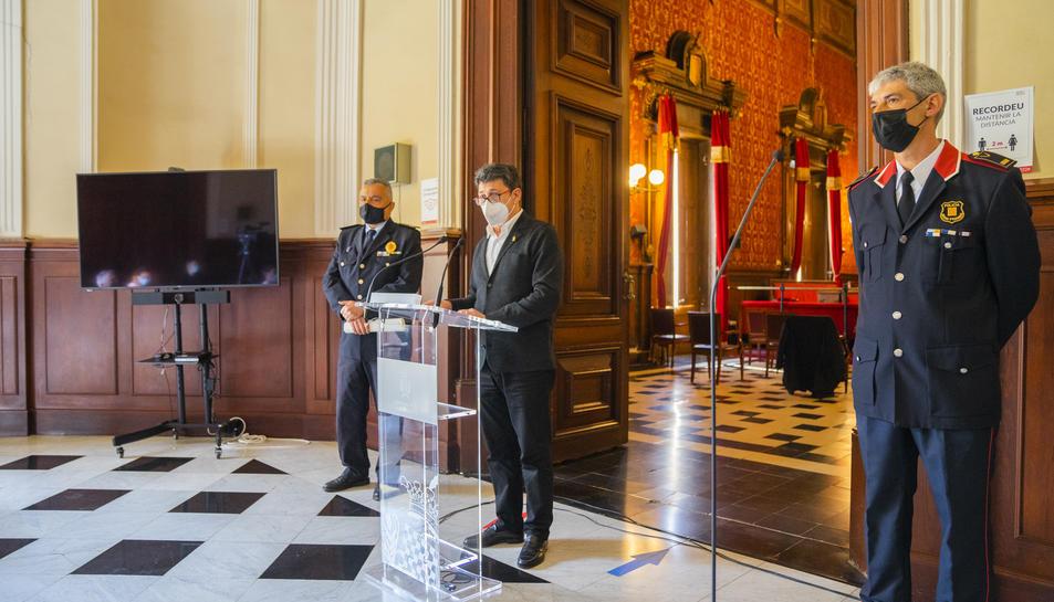 Eduardo Fernández (Guàrdia Urbana), Manel Castaño (conseller) i Ramon Franquès (Mossos).