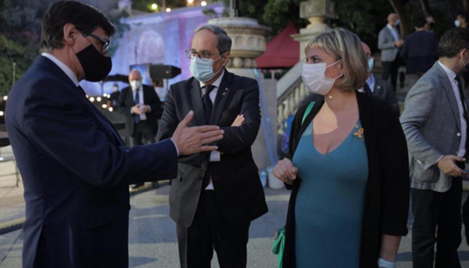 El president Torra, el ministre Salvador Illa i la consellera de Salut, Alba Vergés, durant l'acte d'homenatge a les víctimes de la covid-19.