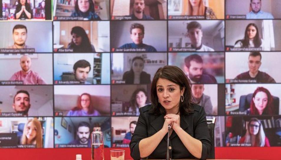 La portaveu al Congrés del PSOE, Ariadna Lastra, en una trobada telemàtica.