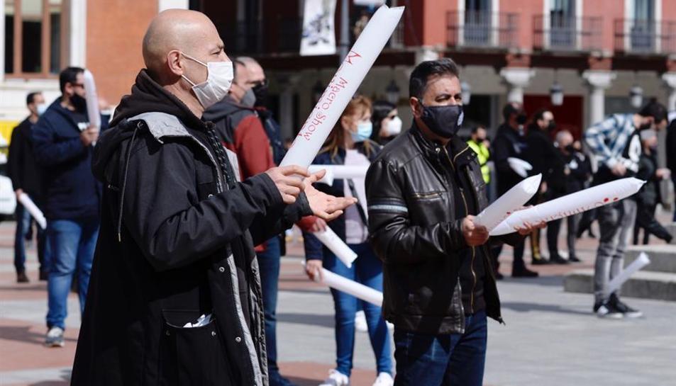 Treballadors del món de l'espectacle surten als carrers perquè «ja no podem més»