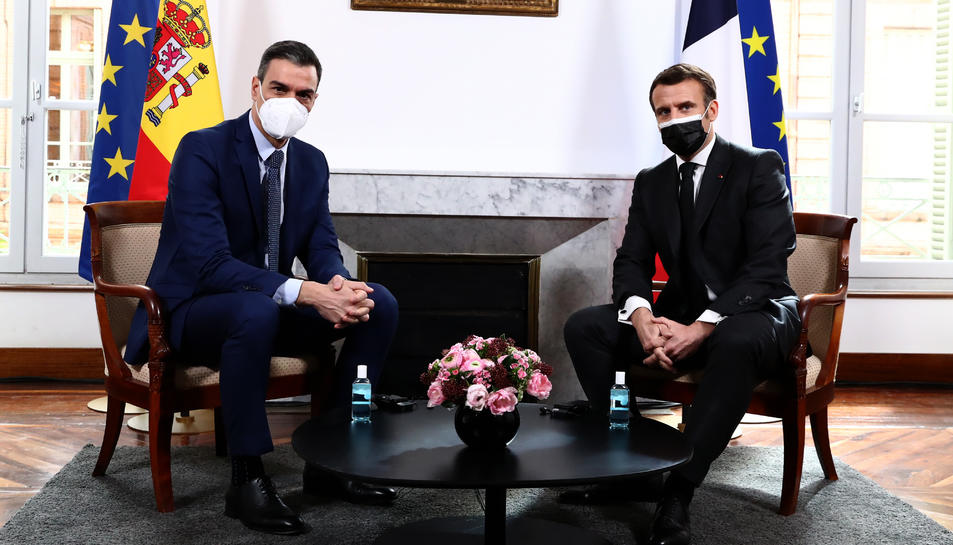Pla sencer del president del govern espanyol, Pedro Sánchez, i del president francès, Emmanuel Macron