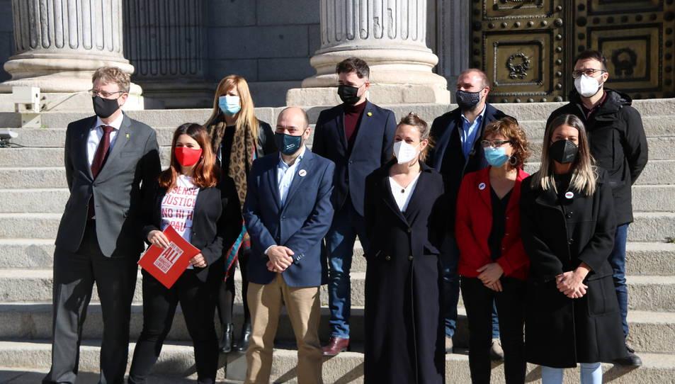 Representants d'ERC, JxCat, PDeCAT, la CUP, Òmnium Cultural i Amnistia i Llibertat davant del Congrés.