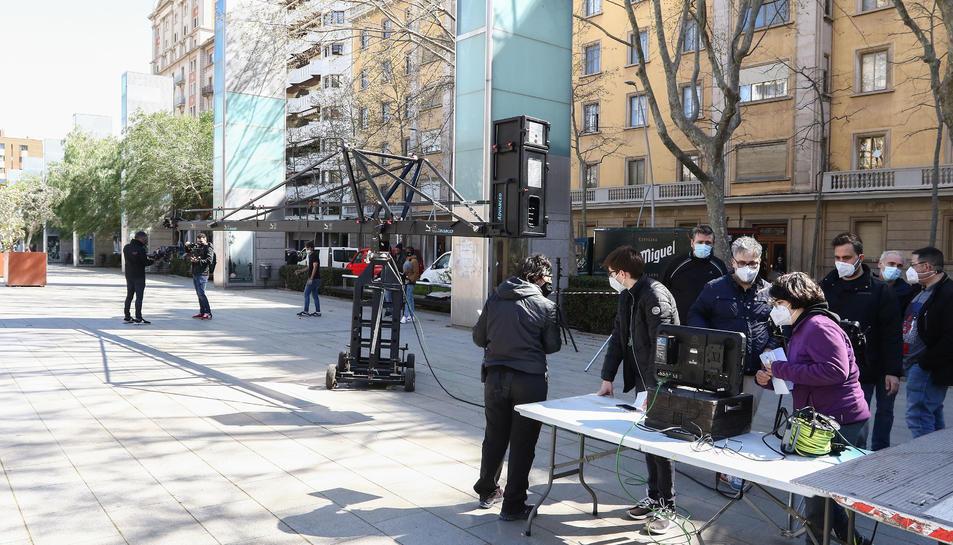 Imatge del rodatge a la plaça de la Llibertat de Reus.