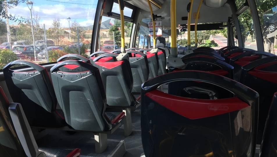 Interior d'un autobús.