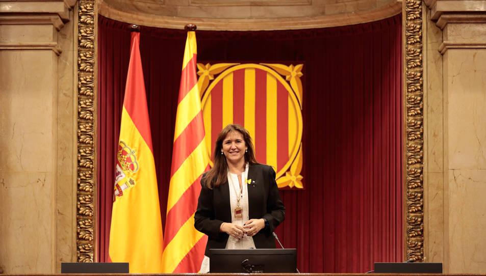 La presidenta del Parlament, Laura Borràs, a l'hemicicle de la cambra.