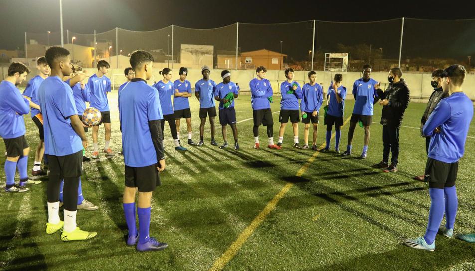 Una imatge d'un dels entrenaments del Juvenil B del CE Unió Astorga, aquesta temporada.