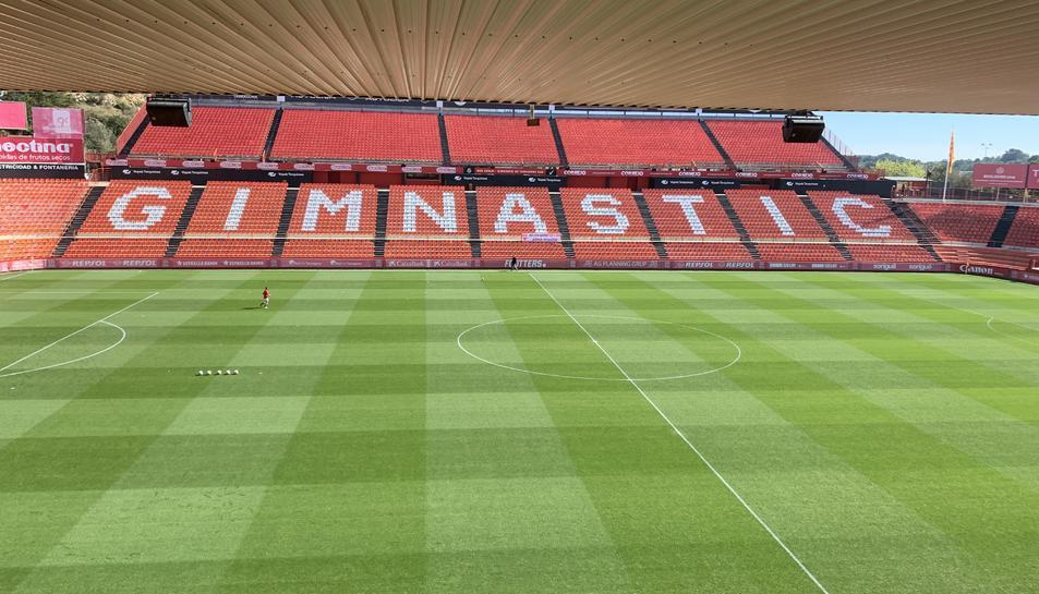 El Nou Estadi, abans del partit.