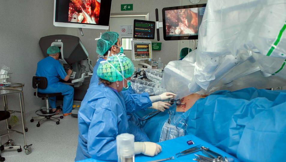 Operació d'una extirpació de pròstata amb cirurgia robòtica.