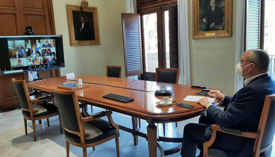 Reunió amb els alcaldes de Cádiz, Girona, Granada, Lleida, Madrid, Reus, Santa Cruz de Tenerife, Torrelavega, Pamplona, Valencia i Zaragoza.