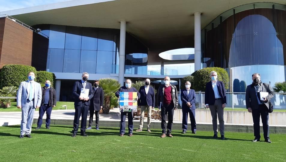 El Consell d'Administració d'Ematsa amb els alcaldes de Tarragona, Pau Ricomà; els Pallaresos, Xavier Marcos; i del Catllar, Joan Morlà.