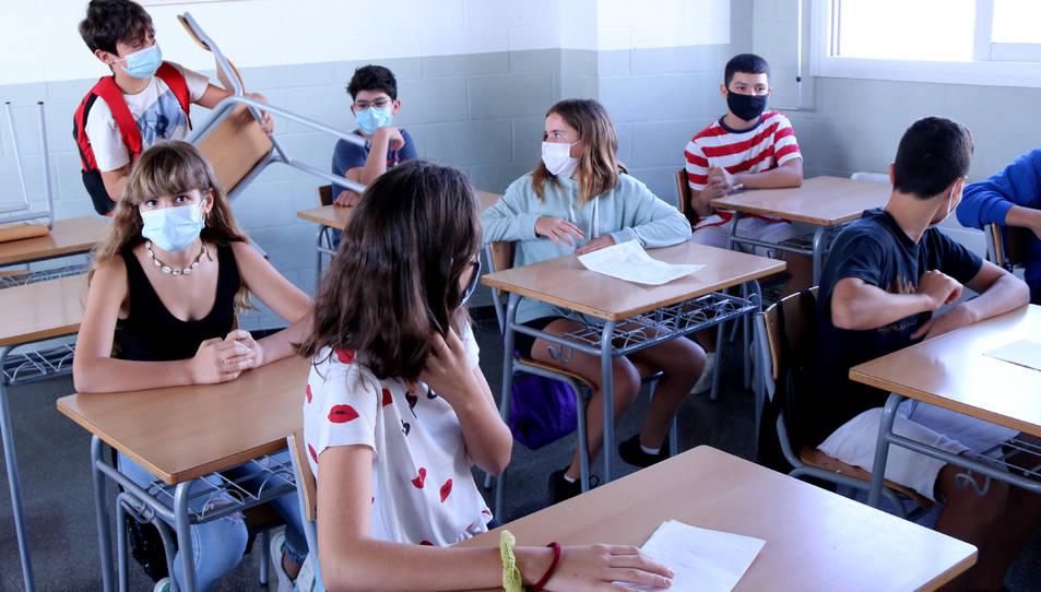 Pla general d'alumnes situant-se en una aula d'ESO de l'institut Cristòfol Despuig de Tortosa.