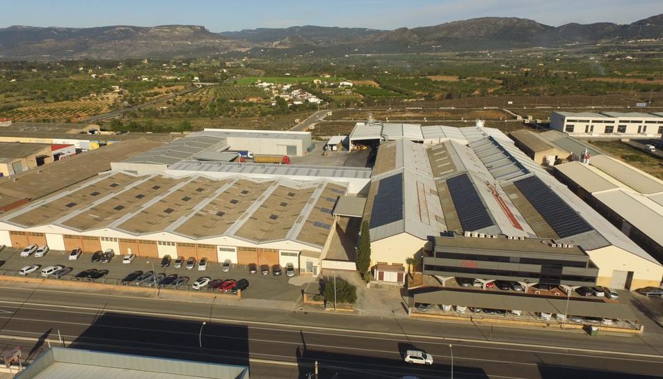Imatge de la factoria de Cartonatges Trilla al polígon industrial de Valls.