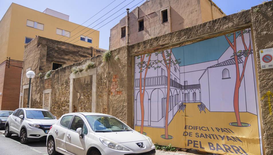 Imatge del mural reivindicatiu fet pels veïns el passat 27 de març.