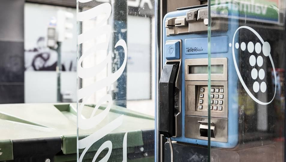 A la recerca d'una nova vida per a les cabines telefòniques
