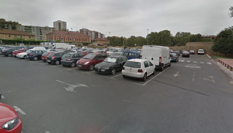 El crim es va produir a la zona de l'aparcament de Revellìn de Logronyo.