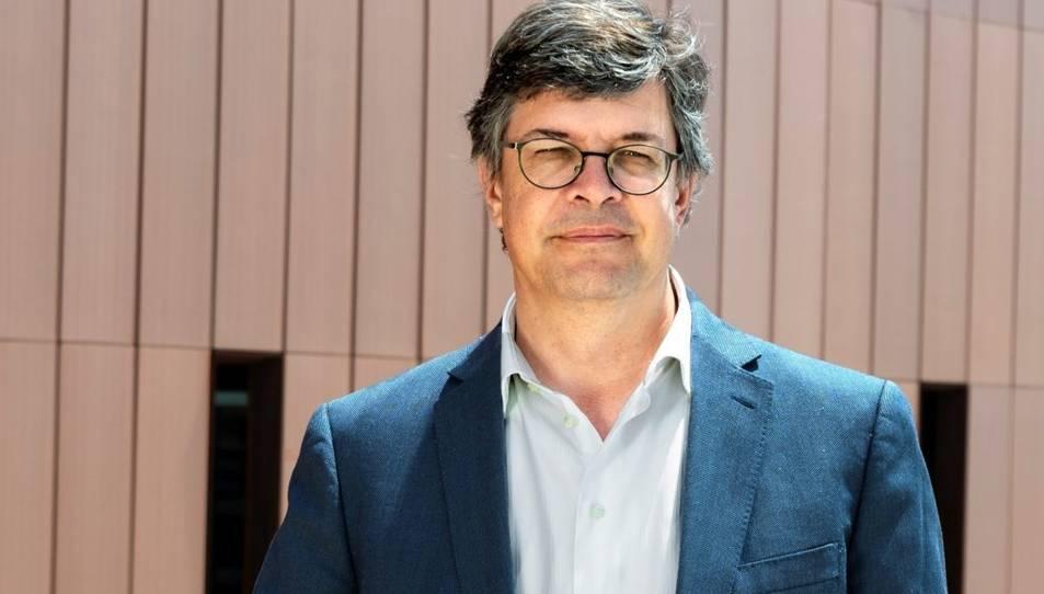 Salvador Anton és Catedràtic d'Anàlisi Geogràfica Regional a la Universitat Rovira i Virgili des del 2010.