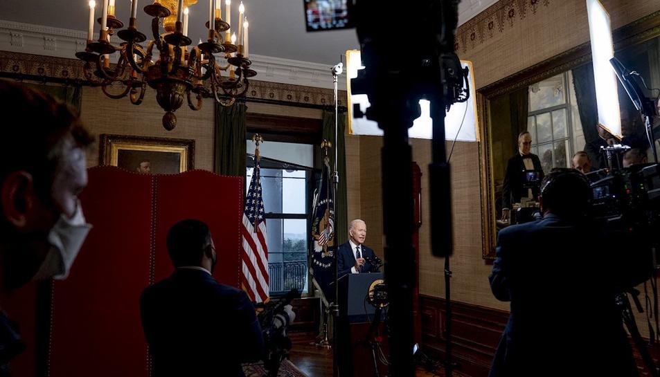 El president dels EUA durant l'emissió d'un missatge institucional.