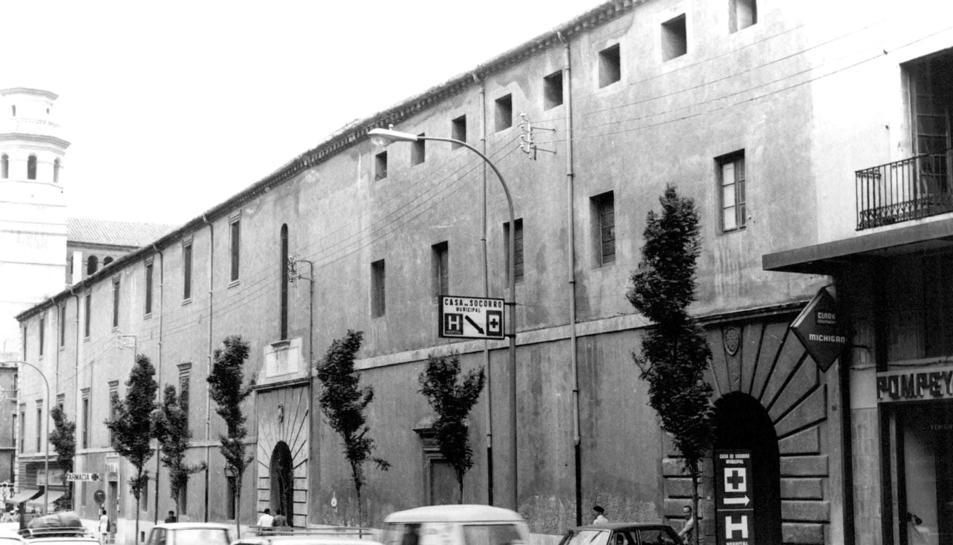 Imatge dels anys 60 de l'Hospital Santa Tecla a la Rambla Vella.