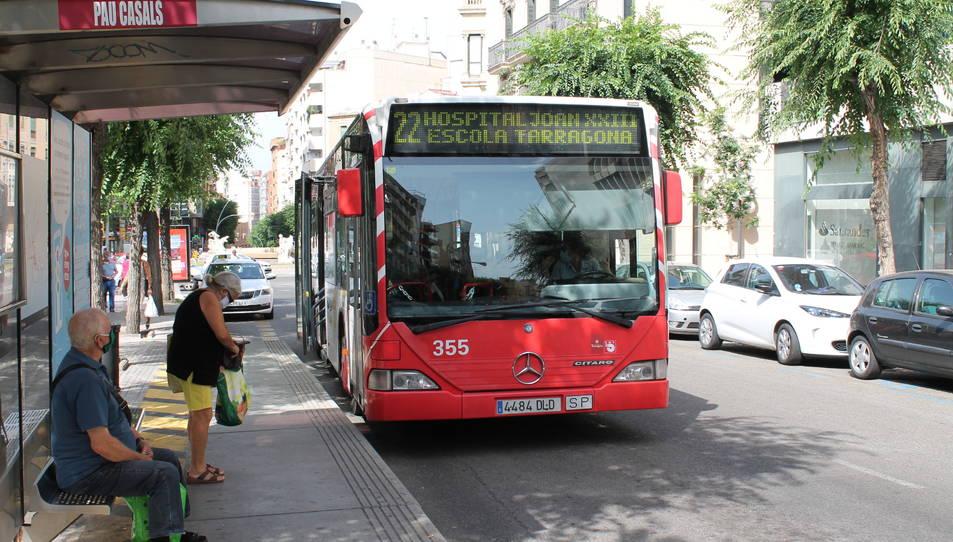 Imatge d'arxiu d'un autobús de la