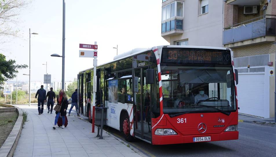 Imatge d'un autobús de l'EMT.