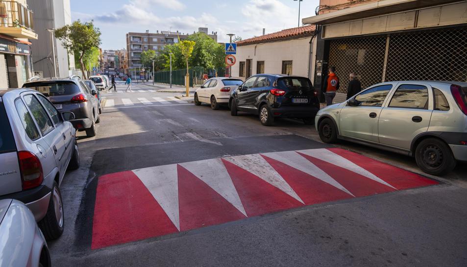 L'Ajuntament ha instal·lat recentment un reductor de velocitat al carrer Vint-i-dos de Bonavista.