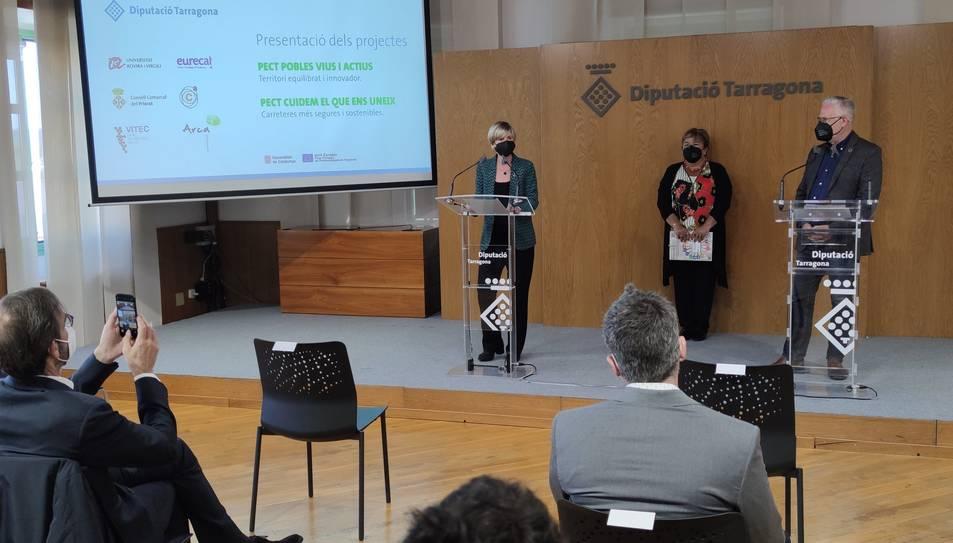 La presidenta de la Diputació, Nomeí Llauradó, durant la presentació.