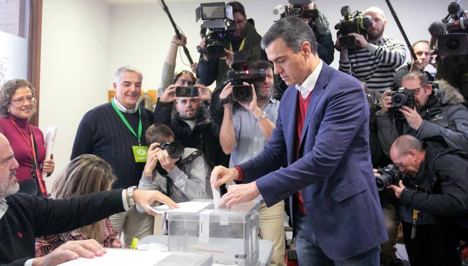 Imatge d'arxiu de Pedro Sánchez votant a les eleccions del 10-N.