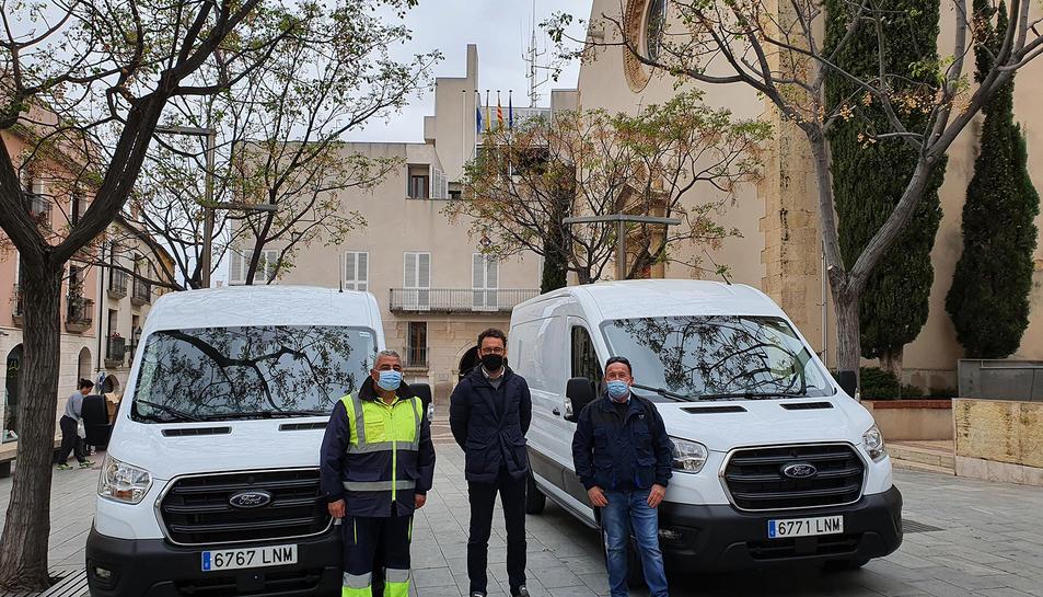 Imatge de les noves furgonetes.