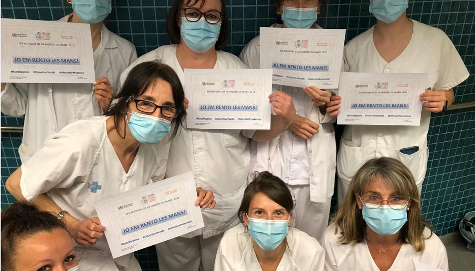 Els professionals de l'ICS han participat a la campanya de promoció de la higiene de les mans.