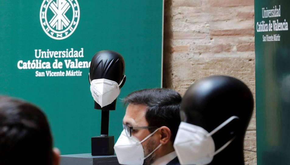 Presentació de la innovadora mascareta.
