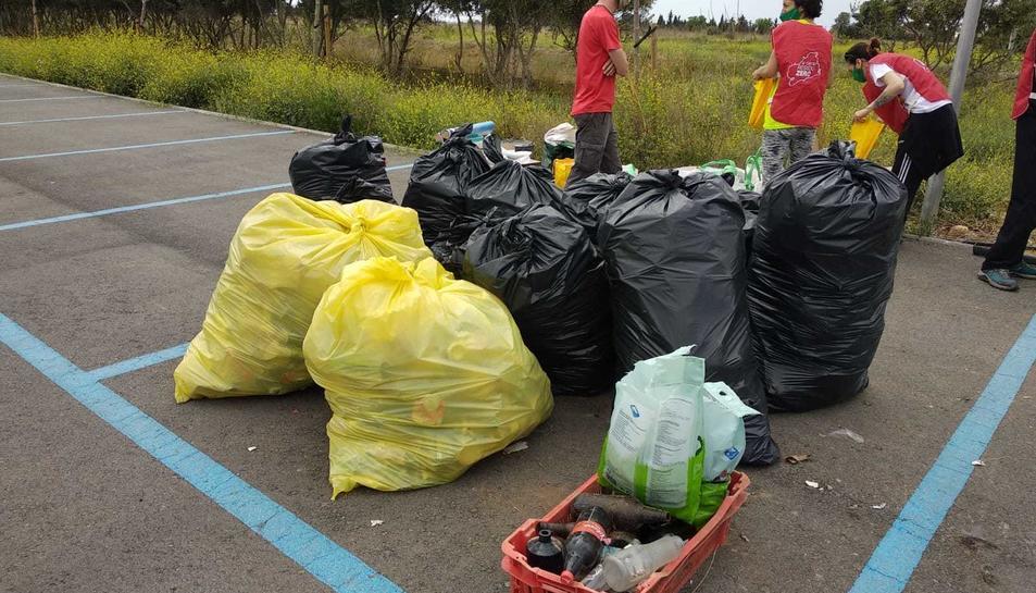 Bosses dels residus recollits als voltants de l'Hospital Sant Joan de Reus.