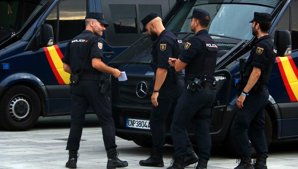 Diversos agents antiavalots de la Policia Nacional.